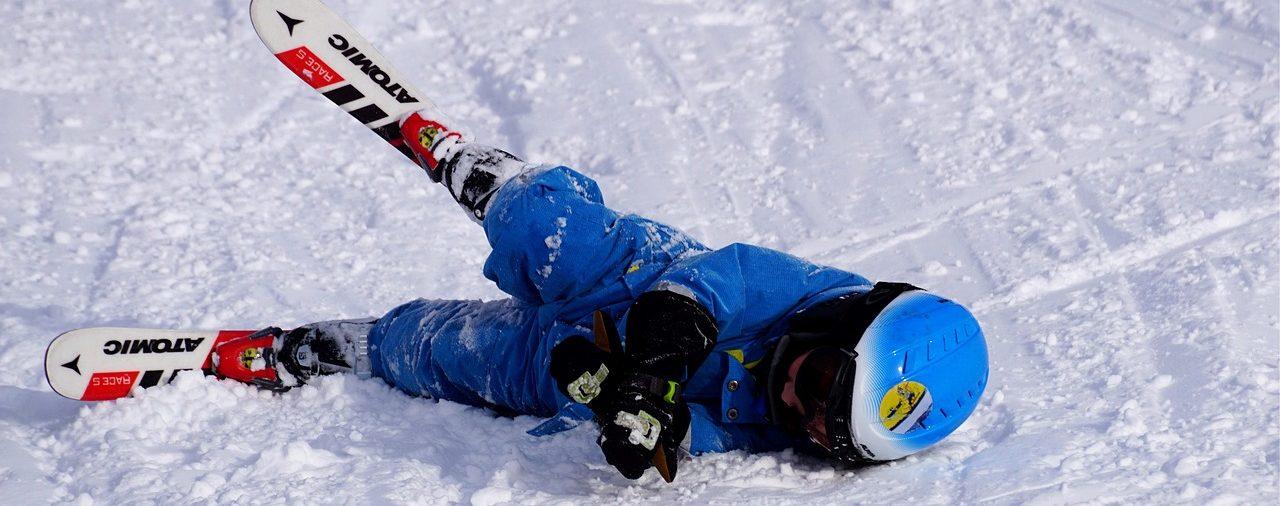 Czy szkolne ubezpieczenie NNW wystarczająco zabezpieczy nasze dzieci podczas ferii zimowych?